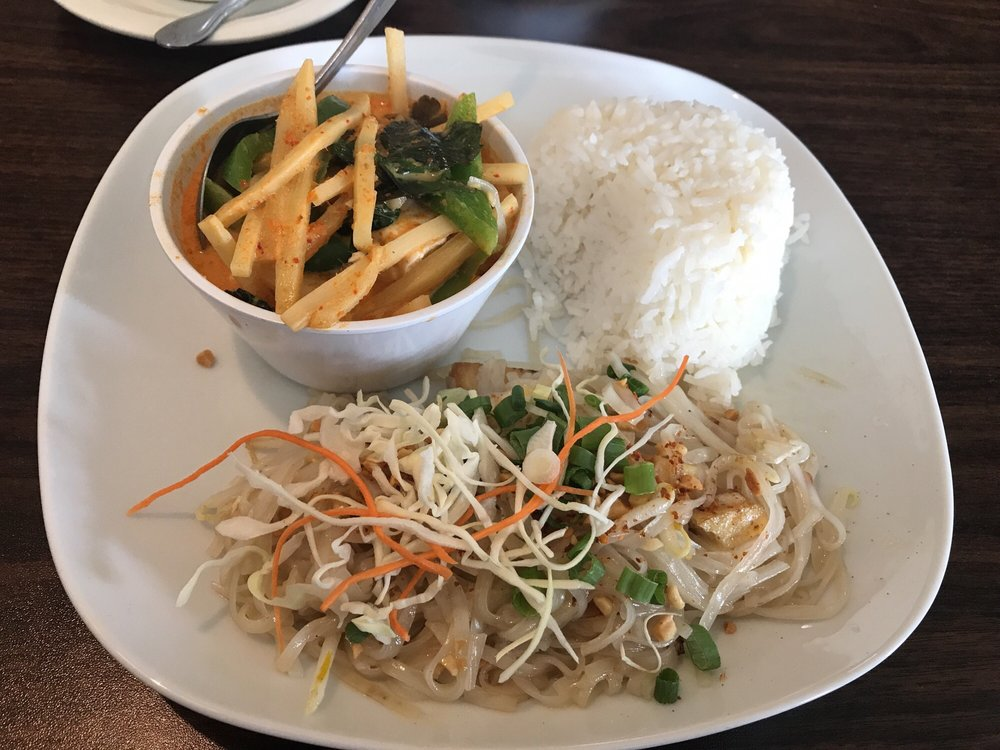 Luxe Thai: 5685 3rd Ave, Ferndale, WA