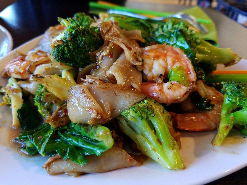 Legends Thai Cuisine: 2001 Coit Rd, Plano, TX