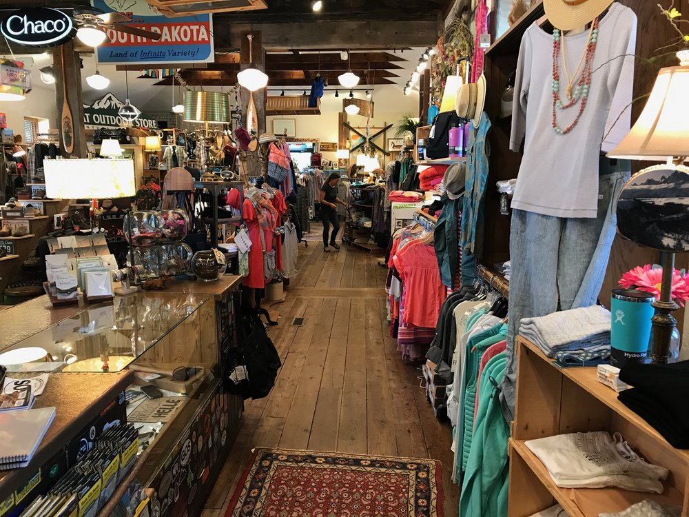 Great Outdoor Store: 201 E 10th St, Sioux Falls, SD