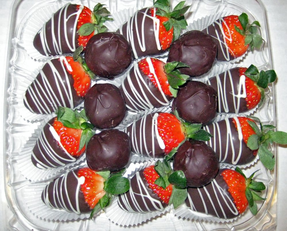Chocolate Covered Strawberries With Dark Chocolate