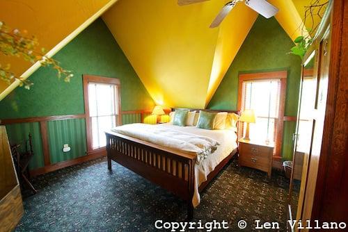 Black Walnut Guest House: 454 N 7th Ave, Sturgeon Bay, WI