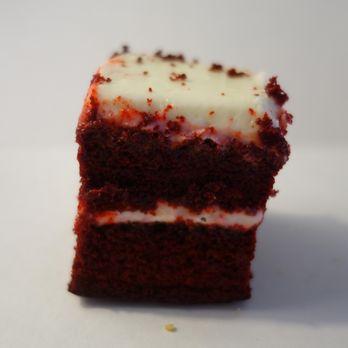 Gambinos Bakery Praline Pecan King Cake