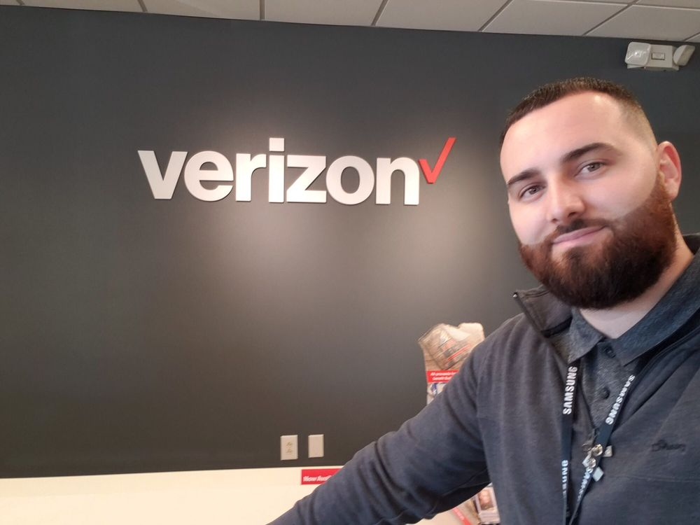 Verizon Authorized Retailer - Victra: 26 Northfield Ctr, Whiteville, NC
