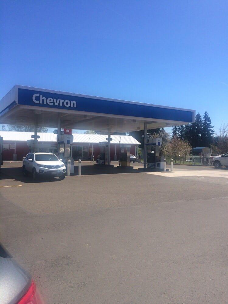 Chevron - Red Barn Country Store: 22020 S Beavercreek Rd, Beavercreek, OR