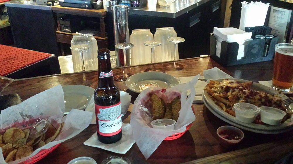 Brittany's Restaurant & Sports Bar: 12449 Dillingham Sq, Woodbridge, VA
