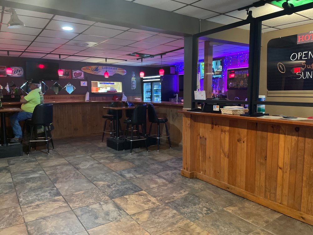 Hot Pie's Pizzeria: 363 Grow Ave, Montrose, PA