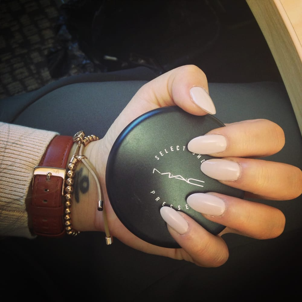 White oval shaped nails
