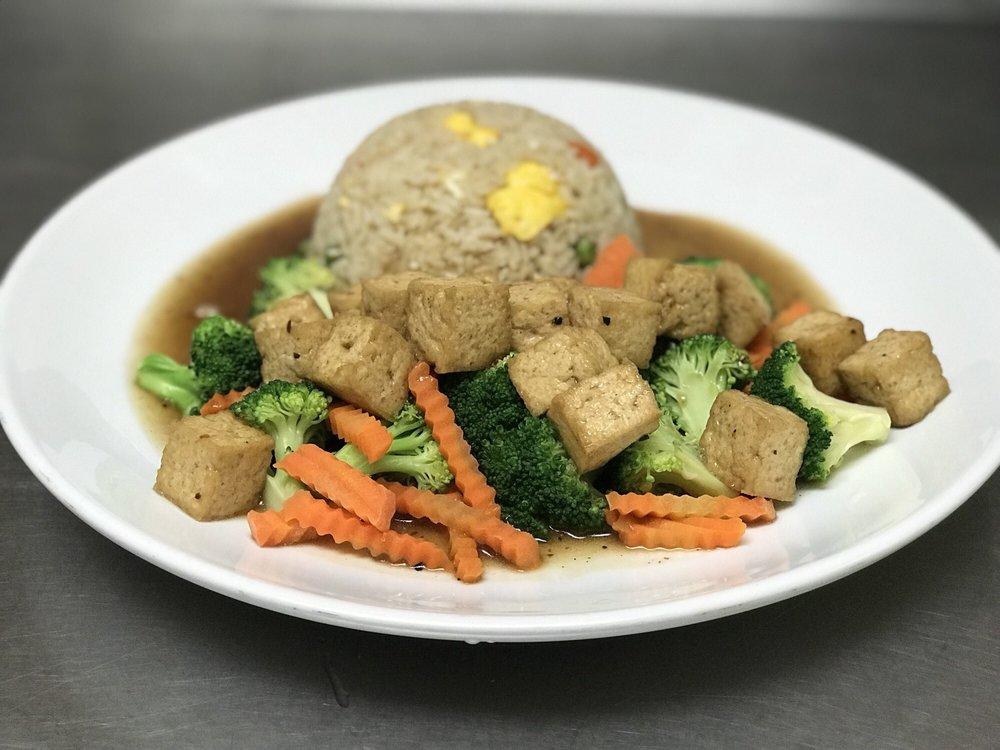 Tassanee's Thai Cuisine: 1611 Dodson Ave, Fort Smith, AR