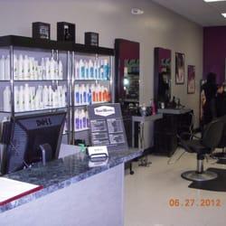 Hairworks family salon coiffeurs salons de coiffure for 10th street salon