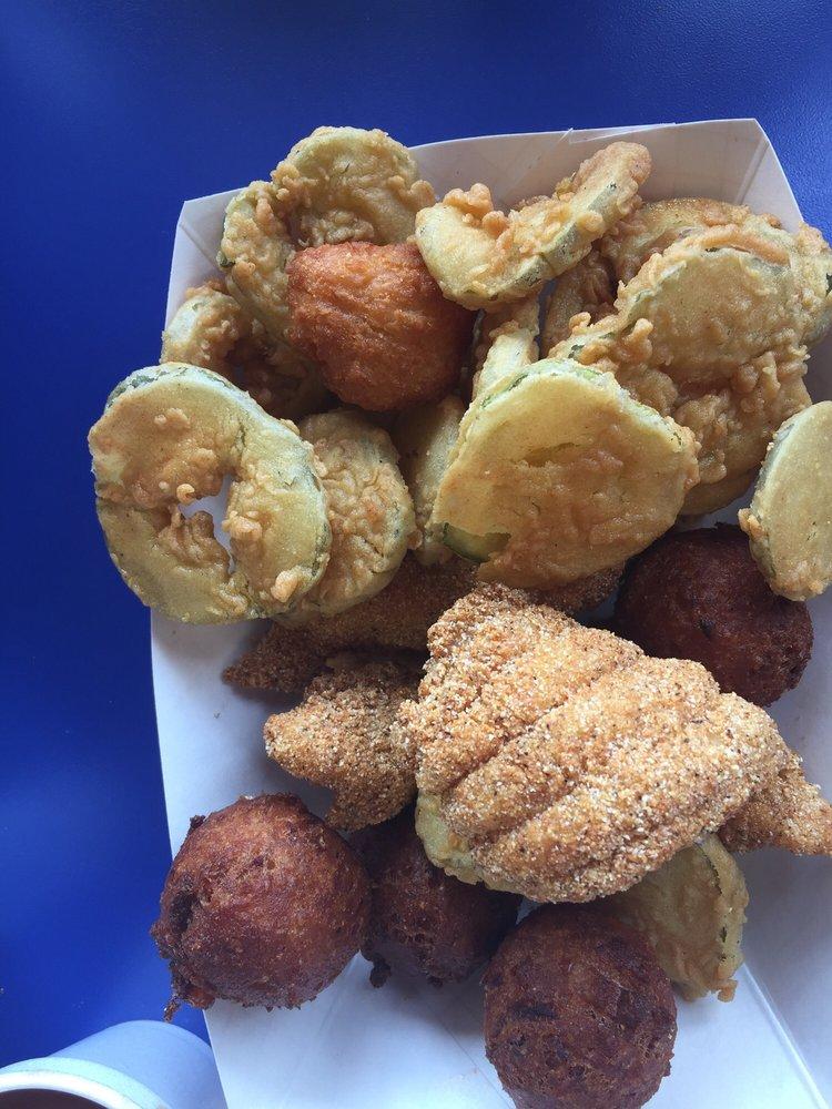 Sidney's Chicken & Seafood: 13195 N Wintzell Ave, Bayou La Batre, AL