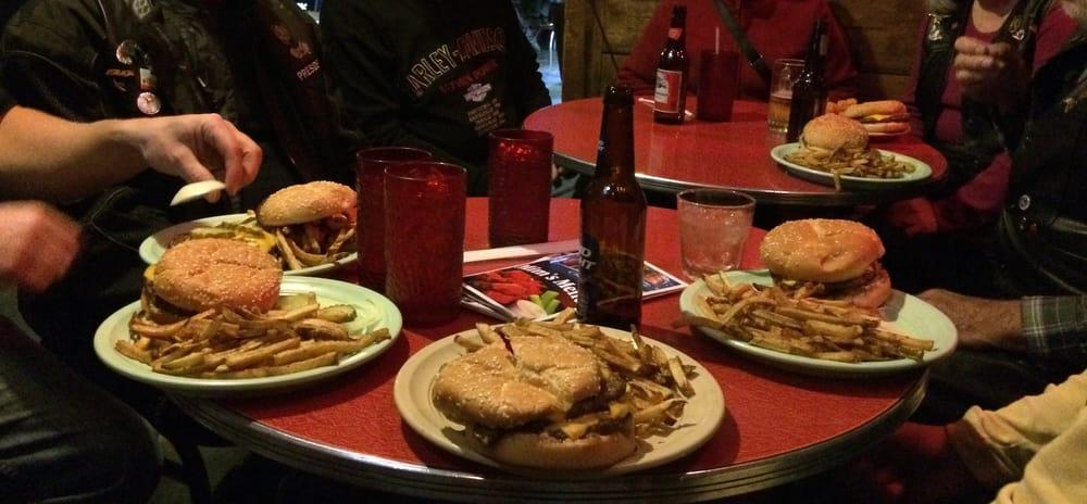 Mim's Bar & Grill: 4020 N Highway 13, Corinne, UT