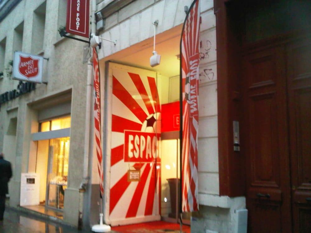 espace foot magasin de sport 7 bis rue d bris st etienne centre lille num ro de. Black Bedroom Furniture Sets. Home Design Ideas
