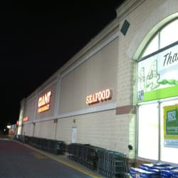 giant food stores grocery 130 old york rd new cumberland pa phone number yelp. Black Bedroom Furniture Sets. Home Design Ideas