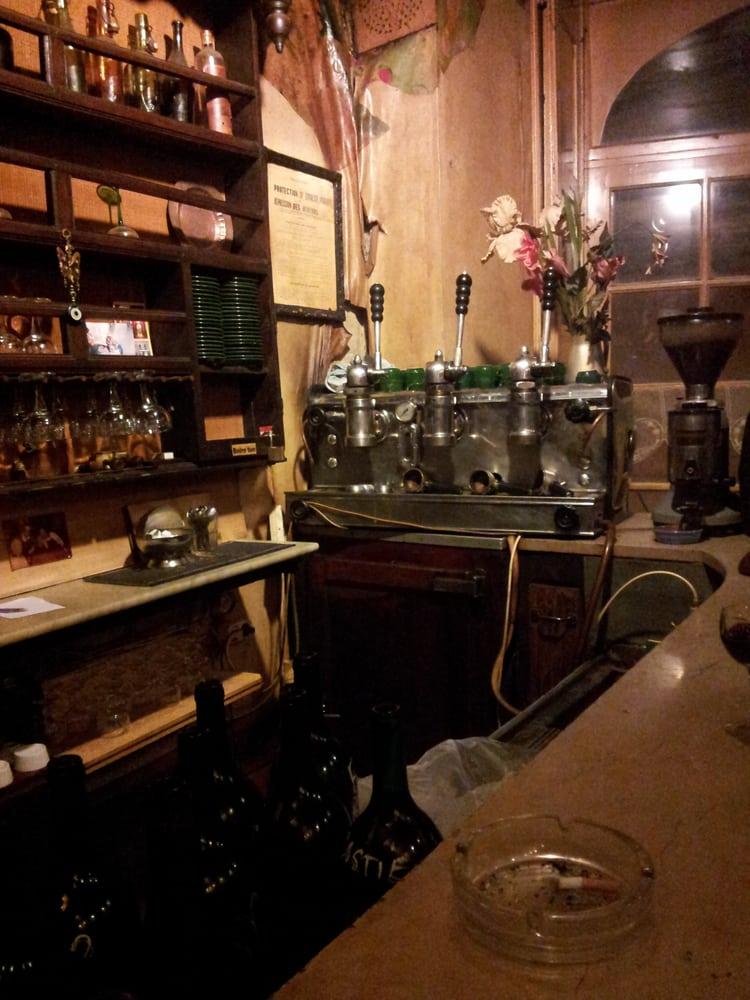 nabuchodonosor weinbar esquirol toulouse frankreich. Black Bedroom Furniture Sets. Home Design Ideas
