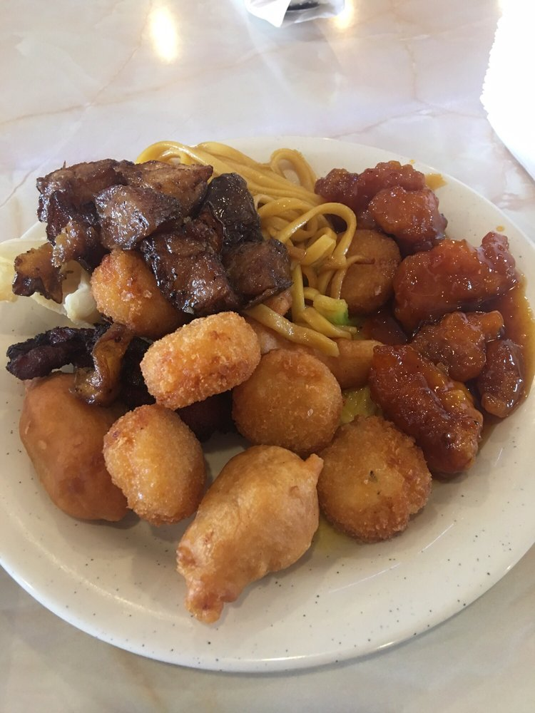 Eastern Chinese Restaurant: 203 Lake Ave E, Ladysmith, WI