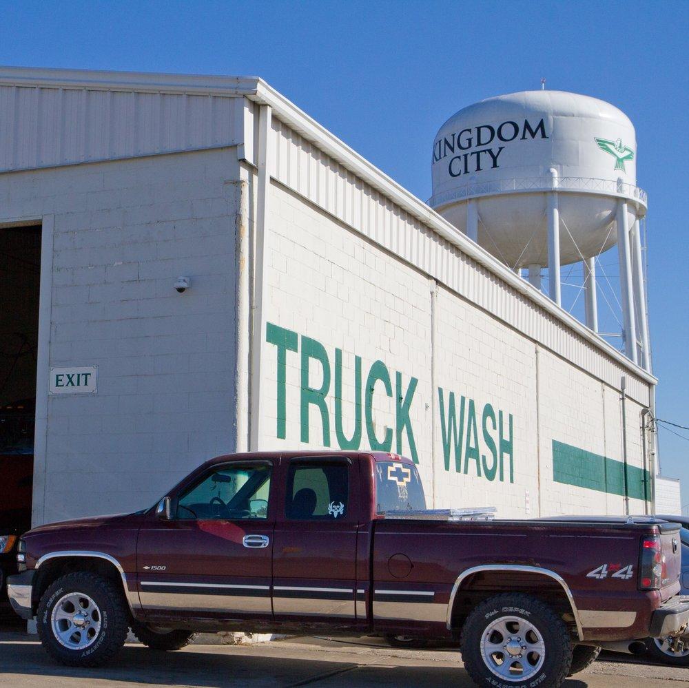 18 Wheelers Truck Wash: 3290 Gold Rd, Kingdom City, MO