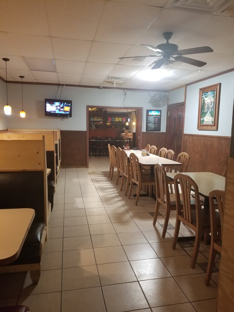 El Senor Tequila: 56 E State Hwy 162, Portageville, MO