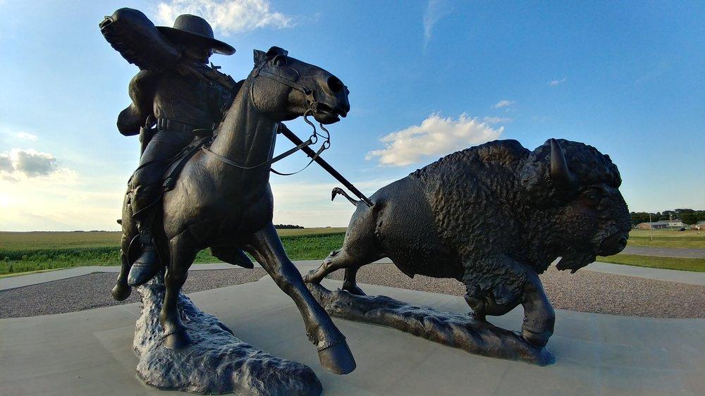 Buffalo Bill Sculpture: 124 US 83, Oakley, KS