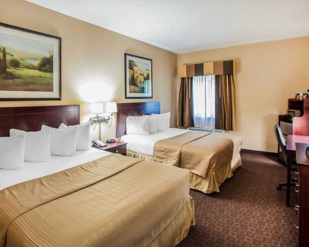 Quality Inn & Suites: 4112 N Brandywine Drive, Peoria, IL