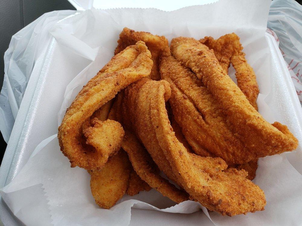 Phillips Seafood: 115 Carter St, Hinesville, GA