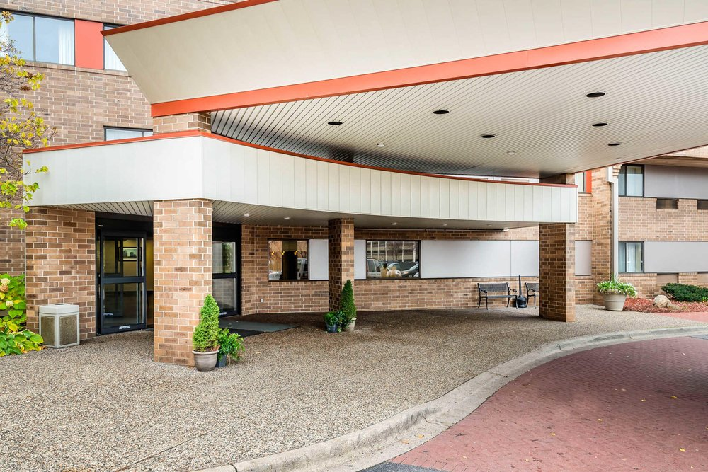 62 Photos For Quality Inn Suites Mall Of America Msp Airport