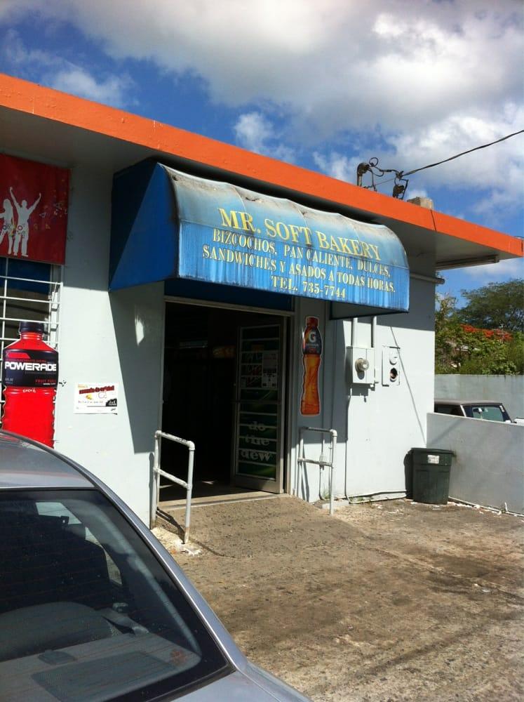 Mr. Soft Bakery: 201-207 Cll Julio Cintrón, Aibonito, PR