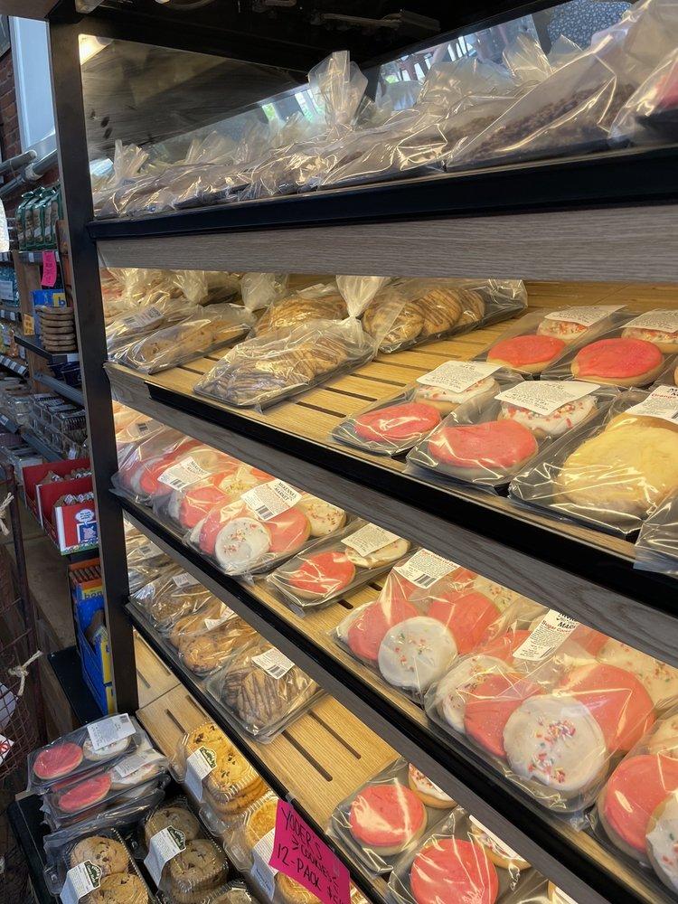 McKenna's Market: 200 Front St, Marietta, OH