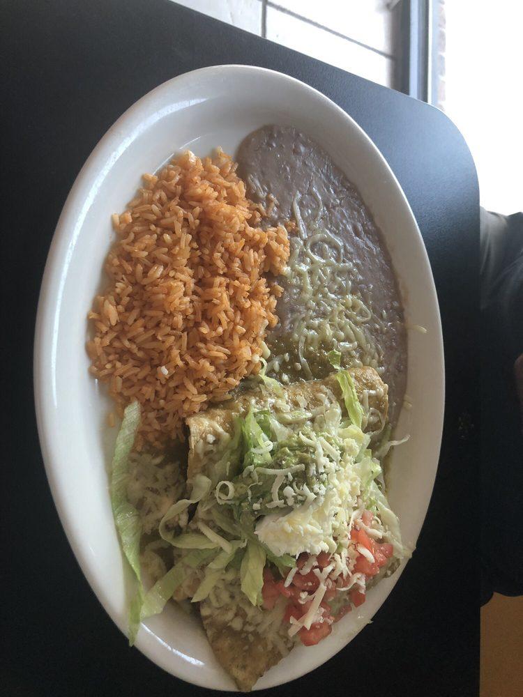 El Tarasco Taqueria & Restaurant: 2125 Popps Ferry Rd, Biloxi, MS