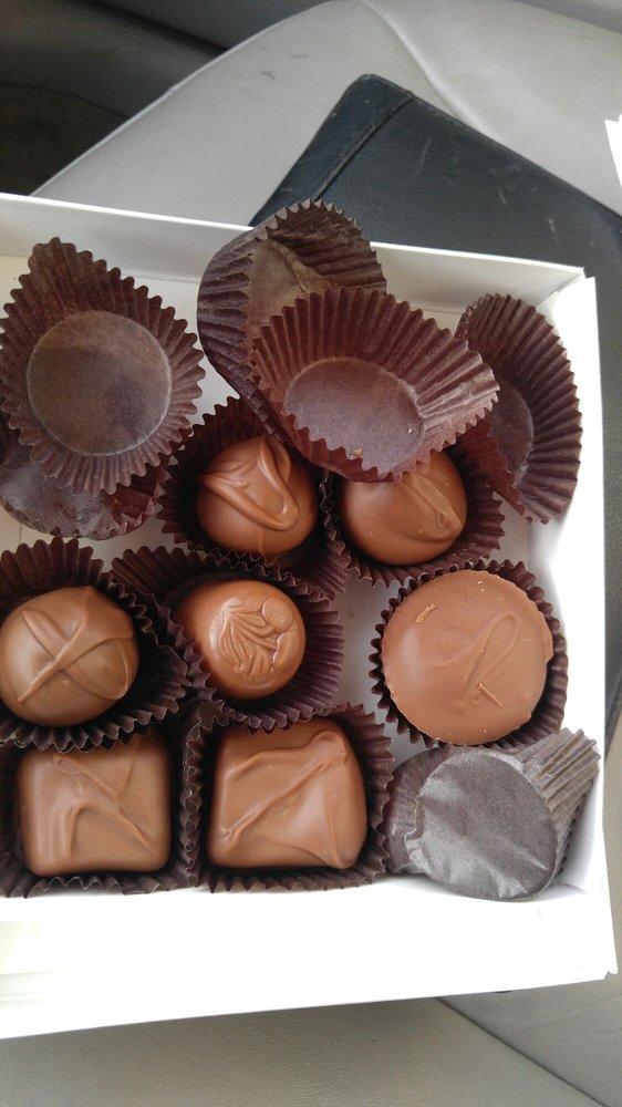 Enchanted Chocolate: 470 Schooleys Mountain Rd, Hackettstown, NJ