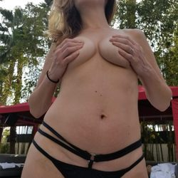 Las vegas cocktail waitresses nude