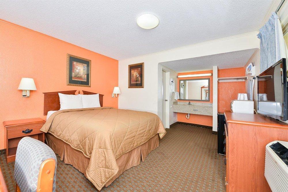 Americas Best Value Inn Ponca City: 407 South 14th Street, Ponca City, OK
