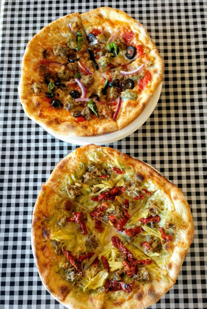 Serious Pizza Plus: 103 First Ave N, Ilwaco, WA