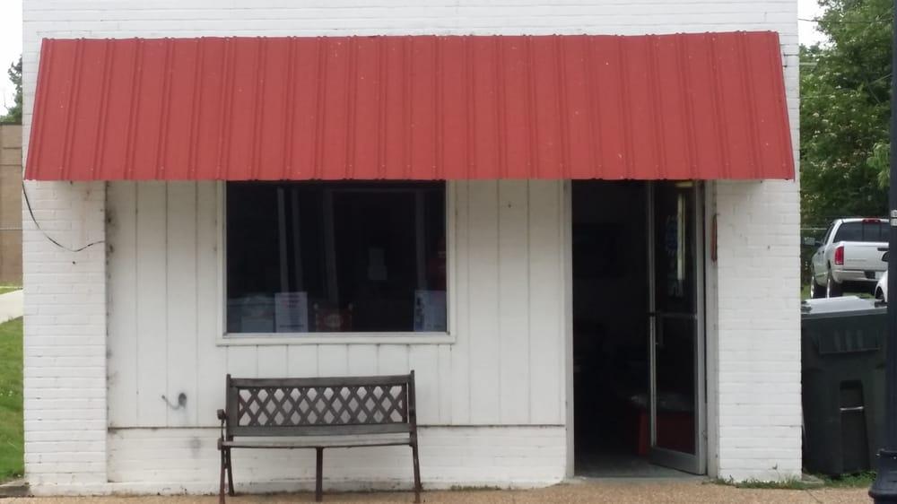 Mitchell Barber Shop: 602 Main St, Columbia, NC