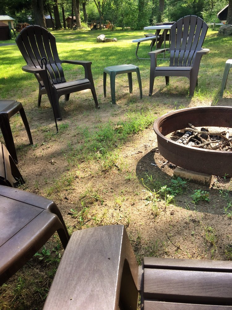 Outdoor Inn: 7176 S M 37, Baldwin, MI