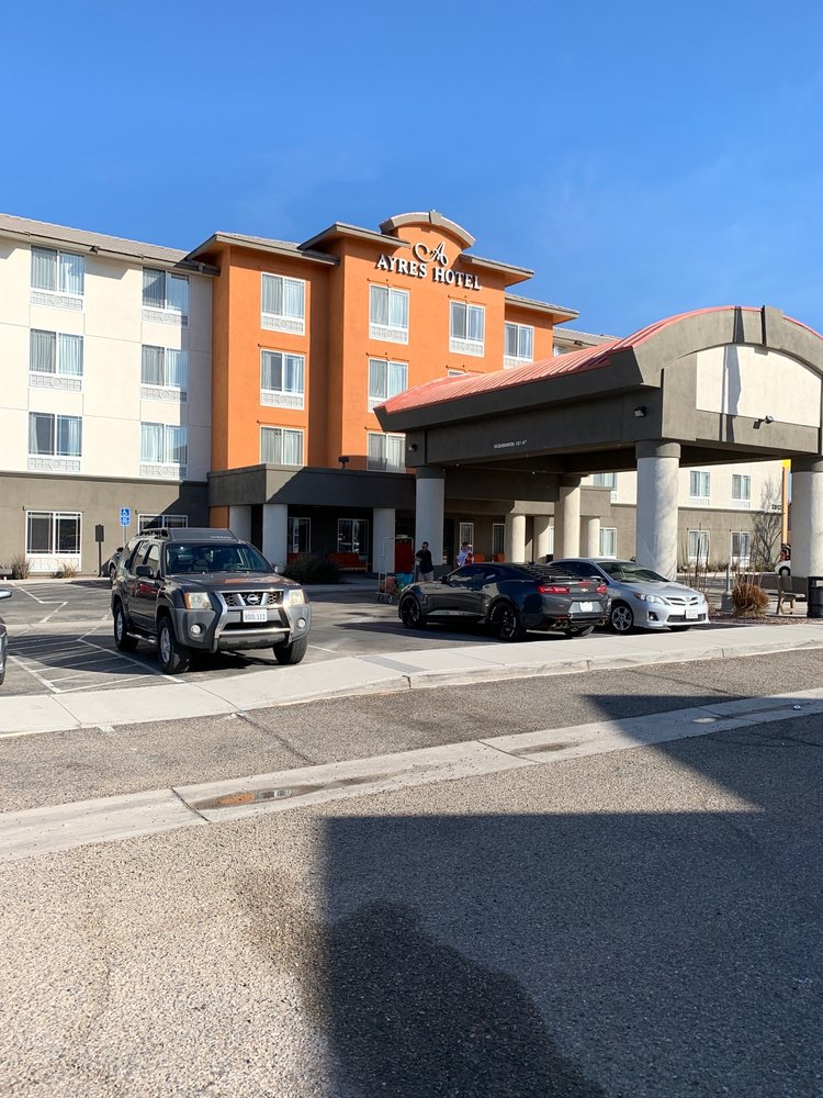 Ayres Hotel - Barstow: 2812 Lenwood Rd, Barstow, CA