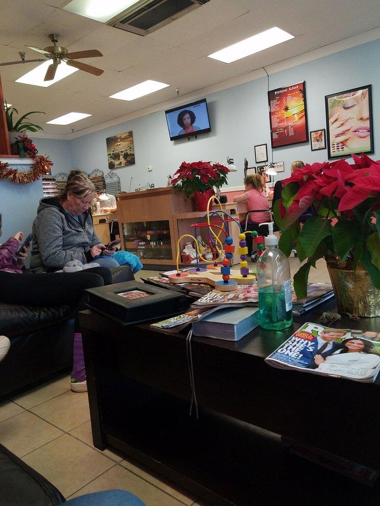 Corbin Nails Salon: 1019 Cumberland Falls Hwy, Corbin, KY