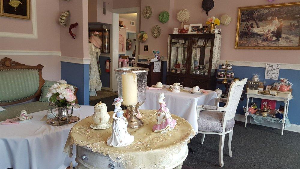Bella's Tea Room: 421 St John St, Havre de Grace, MD