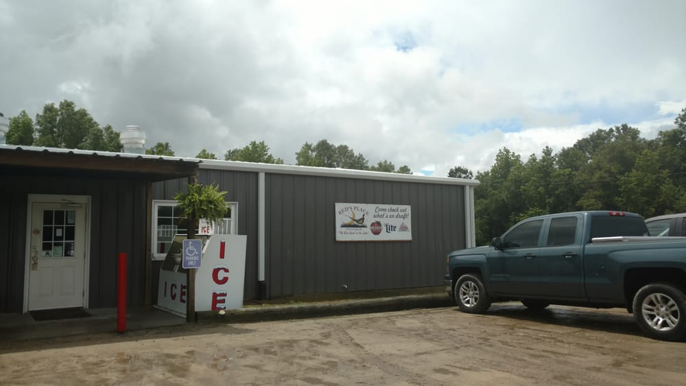 Red's Place Bar and Grill: 6322 Mw Rickenbaker Rd, Summerton, SC