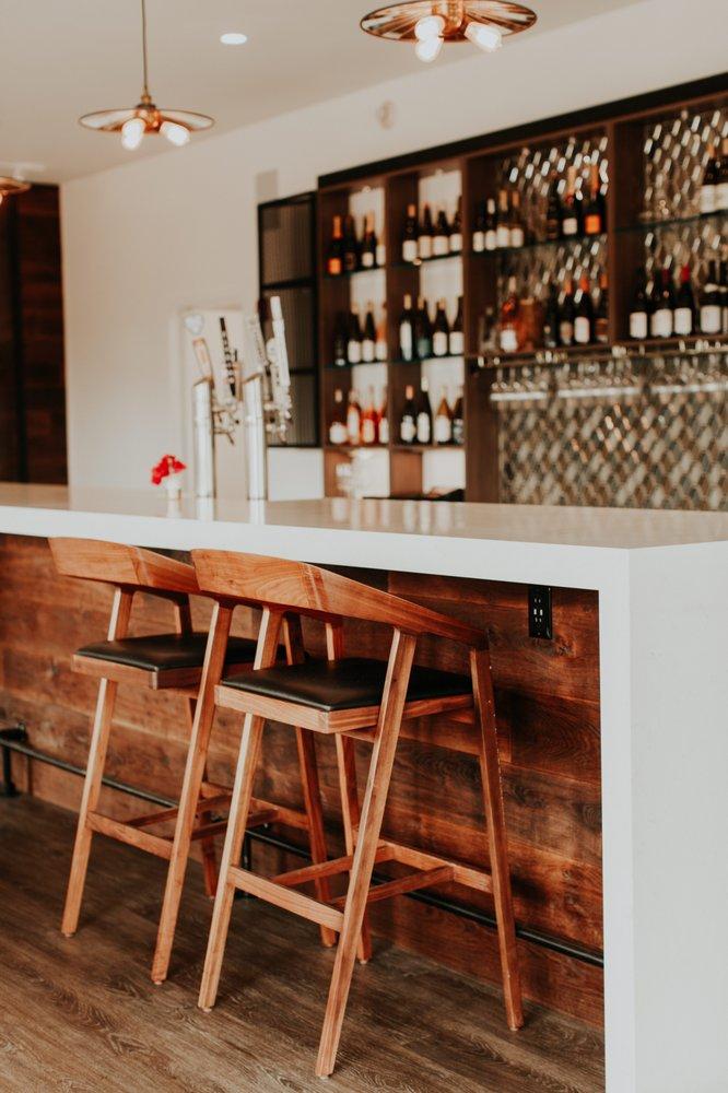 Wine Stone Inn: 255 W Clark Ave, Orcutt, CA