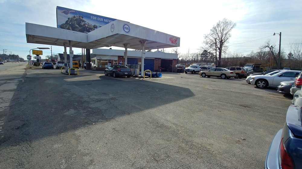 Mikes autocare: 4300 Jefferson Davis, Richmond, VA
