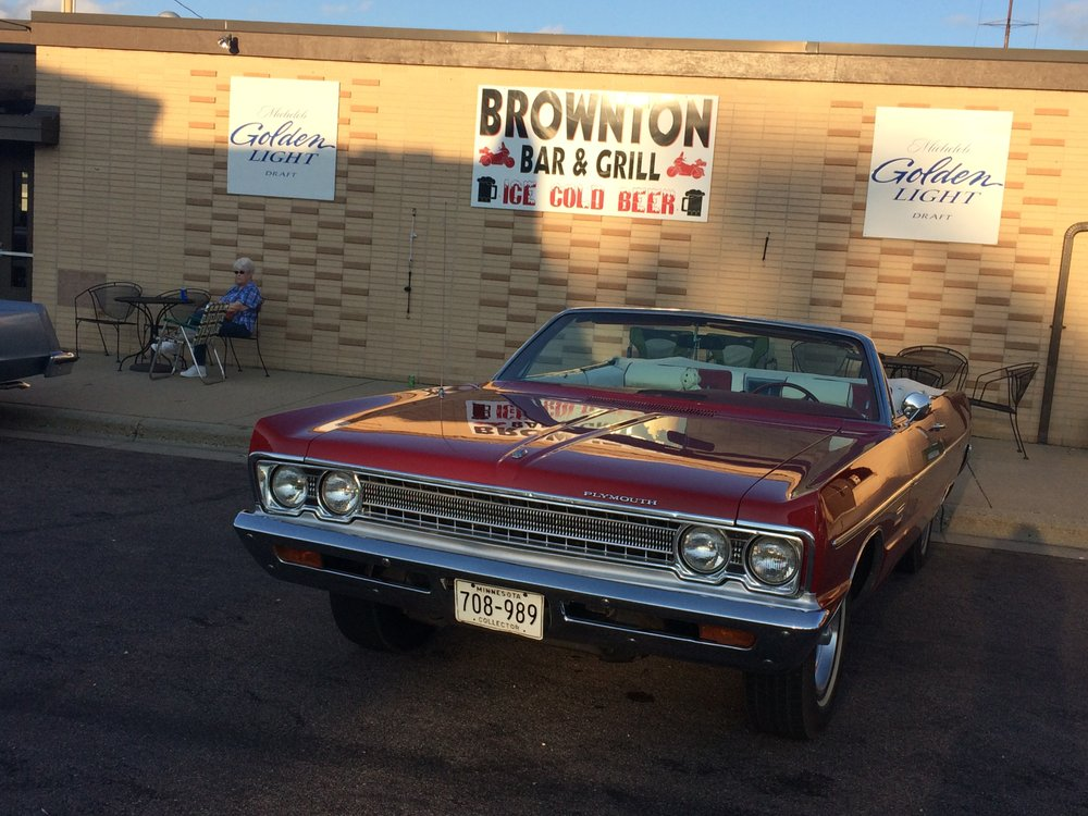 Brownton Bar & Grill: 111 4th Ave S, Brownton, MN