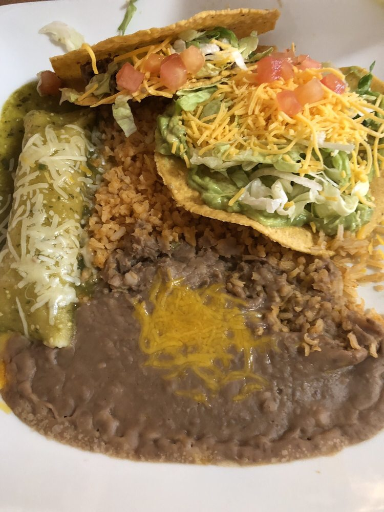 Rancheros Mexican Grill: 1941 E State Hwy 276, West Tawakoni, TX