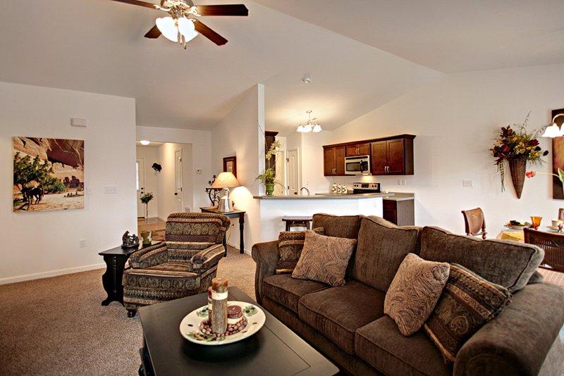 Hilltop & Rockwood Condos: 1 Hilltop Pl, Farmington, MO