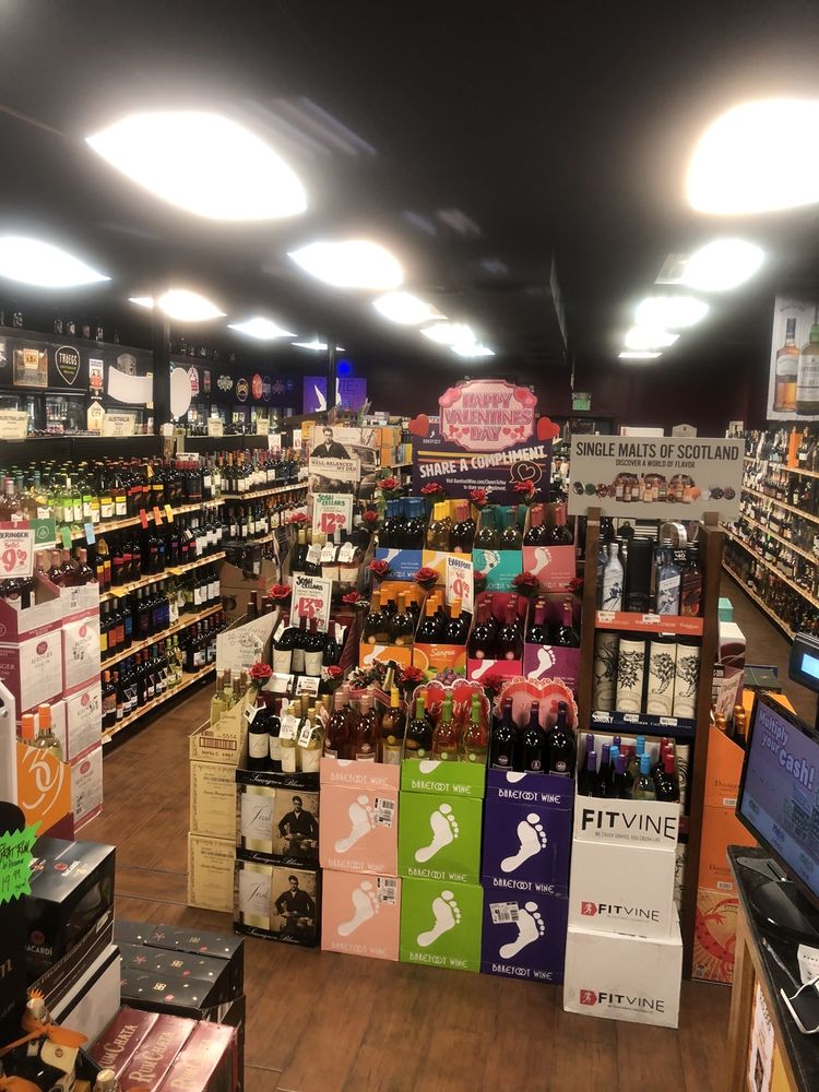 Whitey's Liquors: 803 N Hammonds Ferry Rd, Linthicum Heights, MD