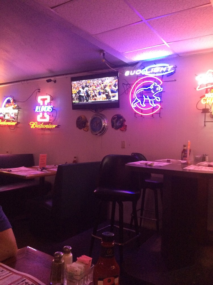 Spanky's Food and Spirits: 1920 Oak Ave, Mattoon, IL