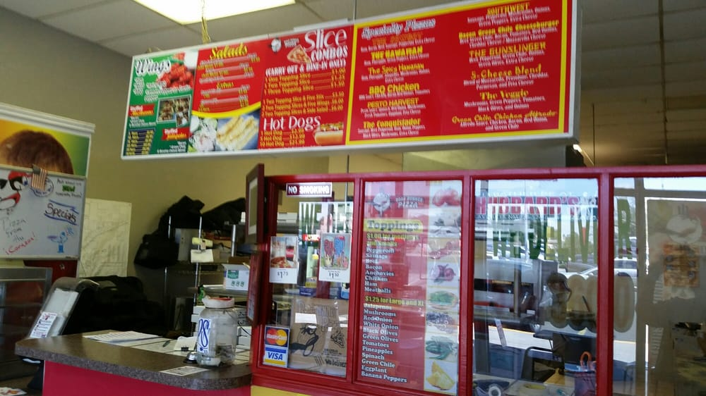 Road Runner Pizza: 5300 Doniphan Dr, El Paso, TX