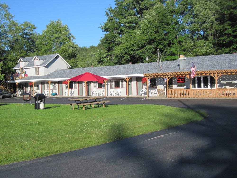 Christy's Motel: 2902 State Rte 28, Old Forge, NY