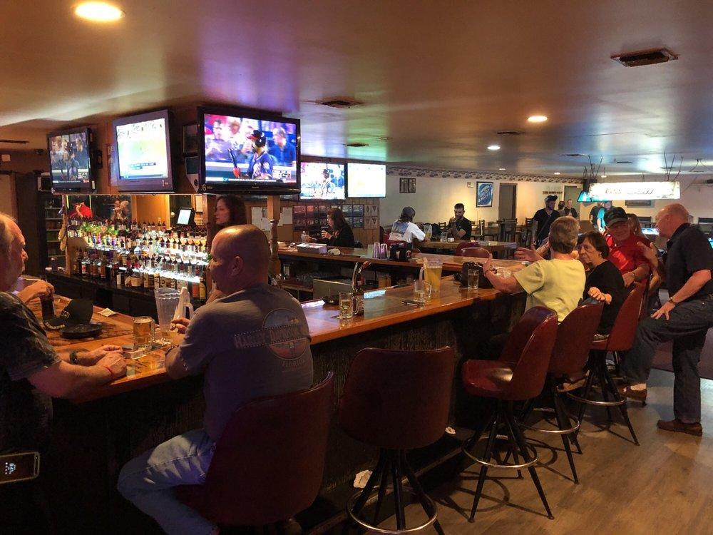 Good Time Lounge: 8921 E Hwy 25, Belleview, FL