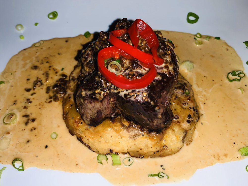 Coqui Fire Cafe: Calle Carlos Lebrum 421, Vieques, PR