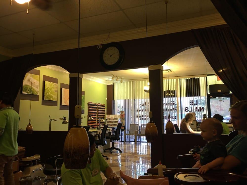 Le Nails: 5393 Roosevelt Blvd, Jacksonville, FL
